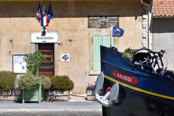 Luxury barge cruise Anjodi