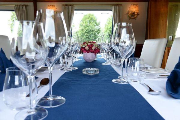La Belle Epoque dining table