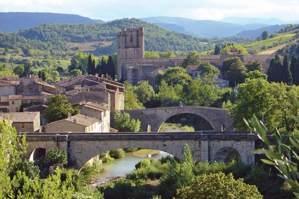 Visit Lagrasse on a Canal du Midi Cruise