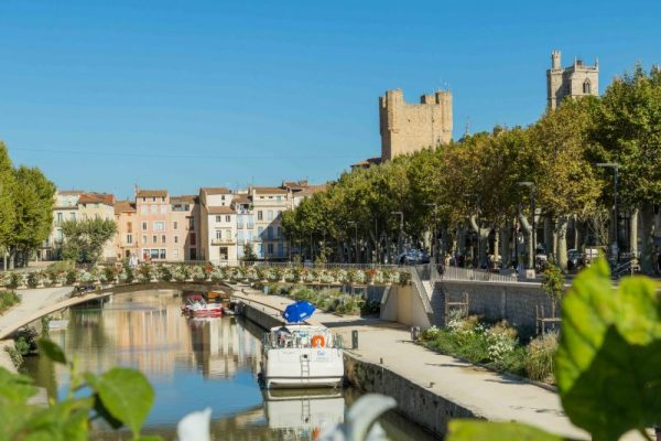 Visit Narbonne on a Canal du Midi Cruise