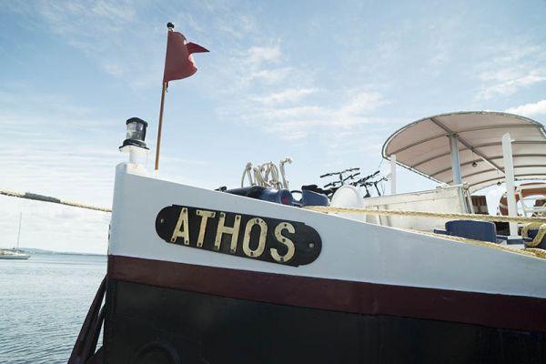 Luxury hotel barge, Atho