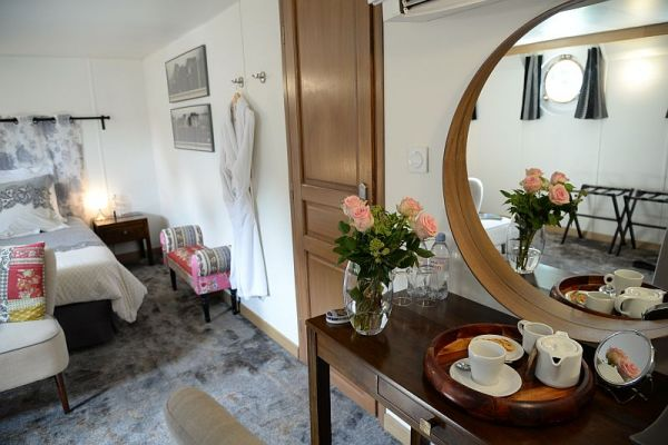 Spacious cabins aboard luxury hotel barge, Finesse