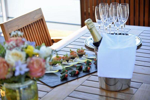 L'Impressionniste - Champagne Welcome