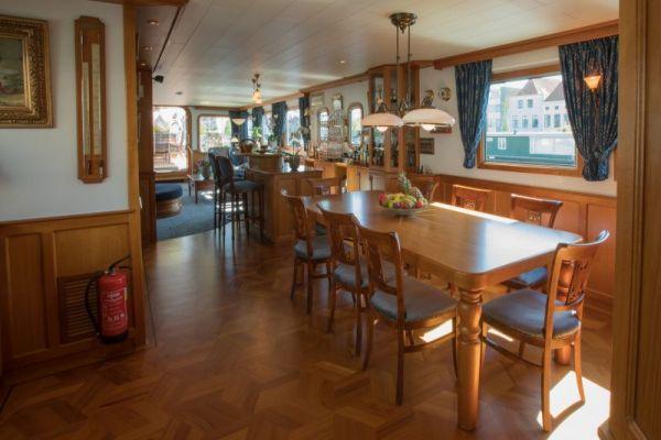 Dining Room aboard La Nouvelle Etoile