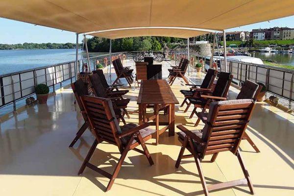 Spacious deck aboard La Bella Vita