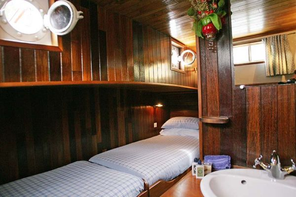 Luxury hotel barge, Nymphea - Chambord Cabin