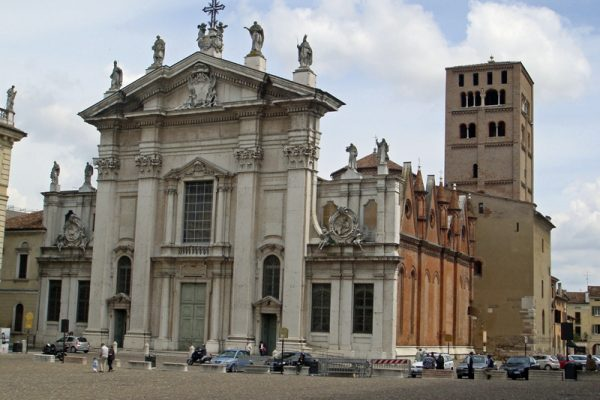 Visit Mantua on our river cruises in Italy