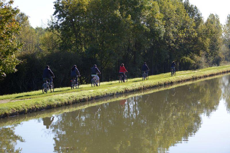 Canal De Briare Biking