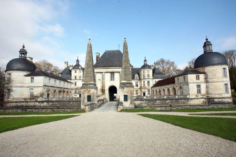 Château de Tanlay - Burgundy France