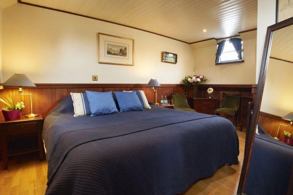 Magna Carta Barge - Cabin