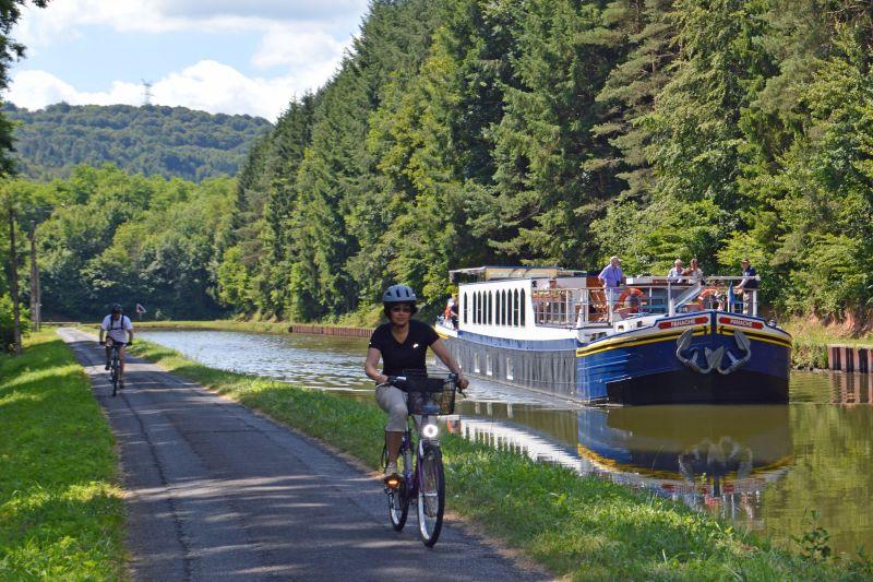 Biking aboard Panache