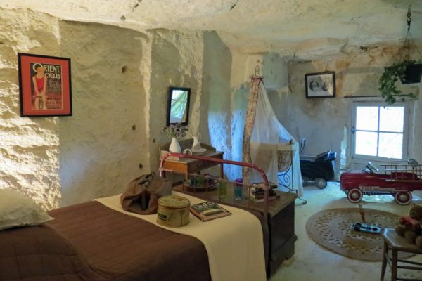 Visit Troglodyte Cave Dwellings on your cruise in the Loire Valley