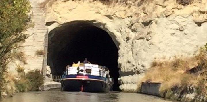 Anjodi cruising through the Malpas Tunnel