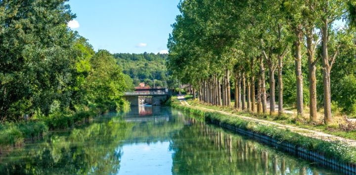 Burgundy Canal 1