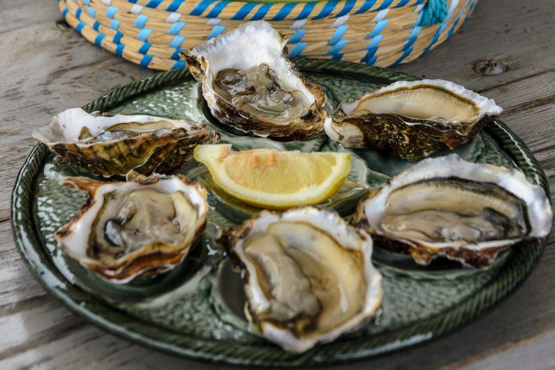 Bouzigues oysters near the Etang de Thua