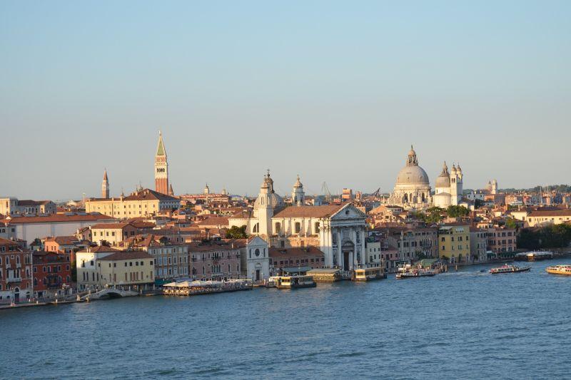 Venice Skyline - Bianco Canal