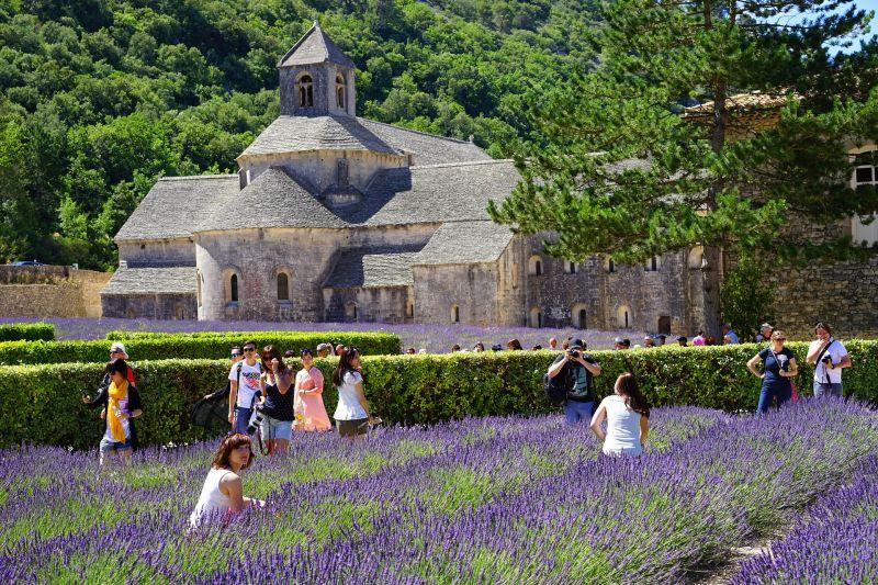 Secret France - Senanque-Abbey