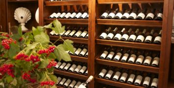 Wine-Myths-Shelf