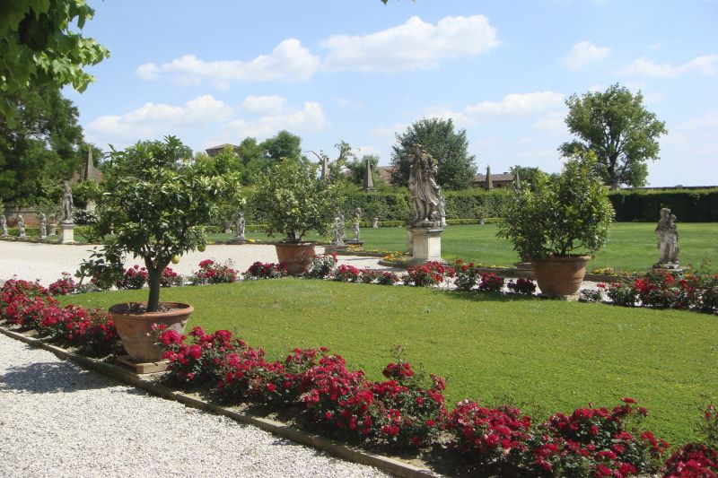 Widmann Borletti Gardens - River Cruises in Italy