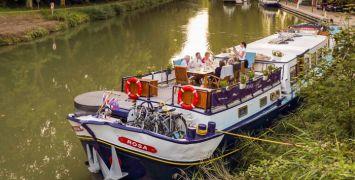 Rosa Guests on Deck - Bordeaux Cruise