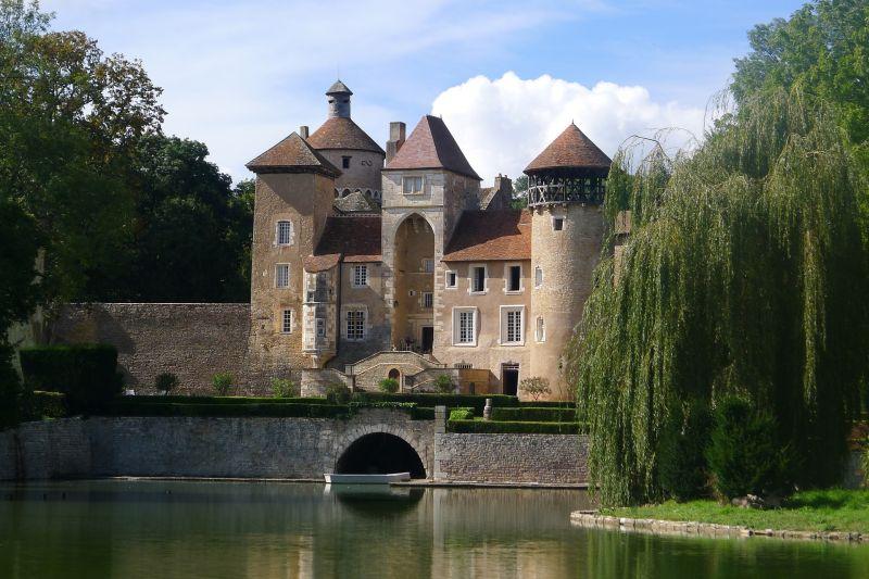 Castle sits on edge of Canal de Bourgogne