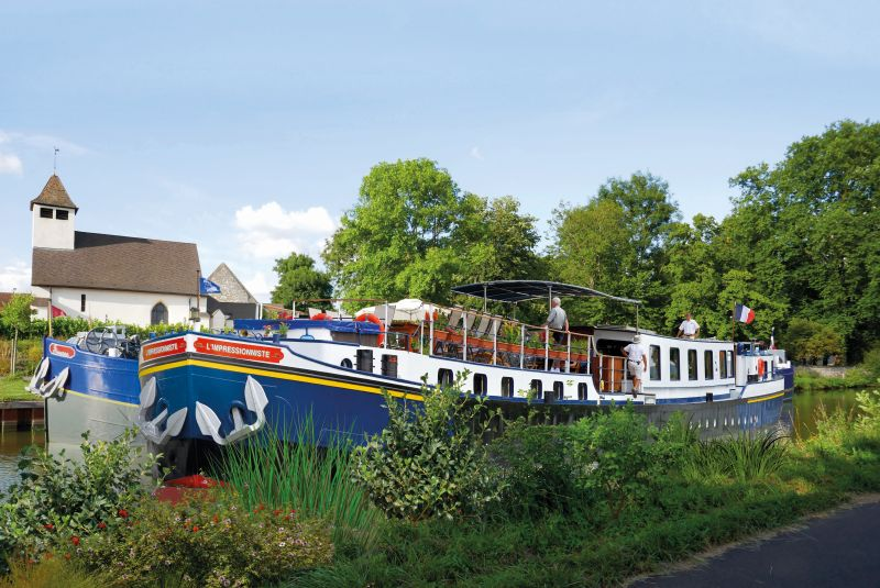 Tandem cruise on the Burgundy Canal