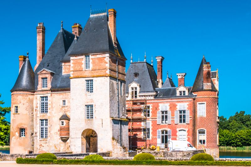 Chateau de la Bussiere front entrance