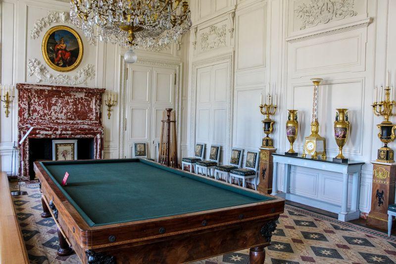 Chateau de la Bussiere interior