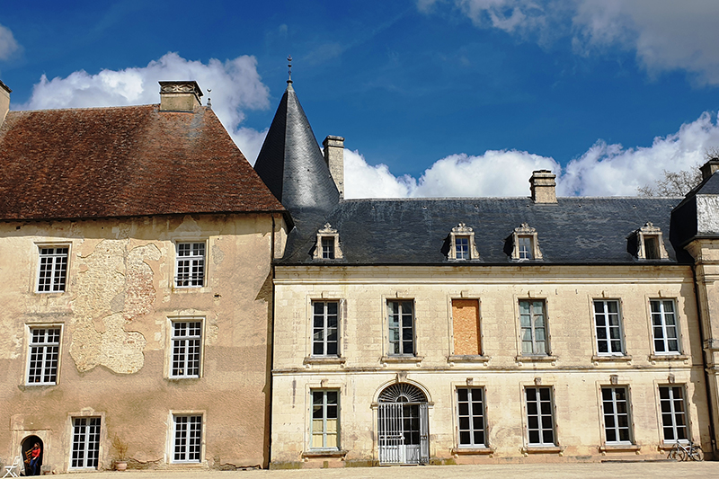 In search of Burgundy's best chateaux? A hidden gem, Château de Ricey-Bas can be visited on our luxury barge cruise, La Belle Epoque