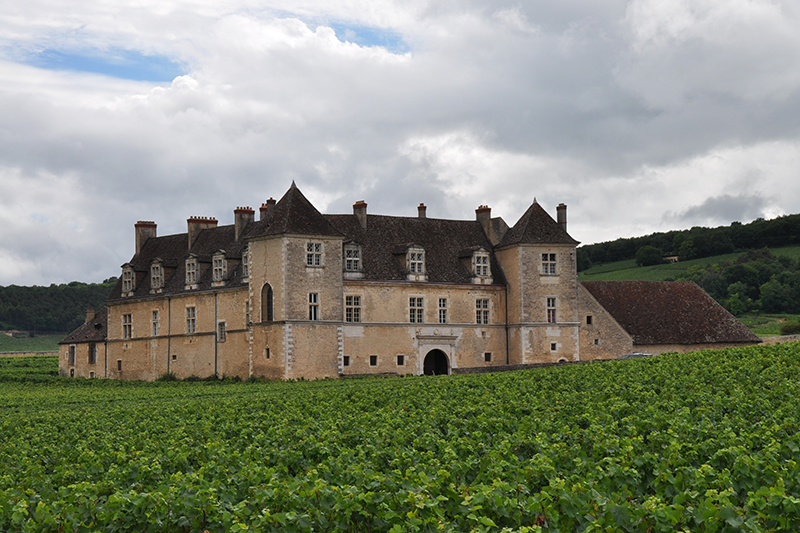 In search of Burgundy's best chateaux? Visit Clos de Veugeot with L'Impressionniste luxury barge cruise