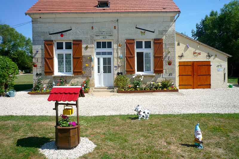Traditional Lockhouse along the canal Nivernais in France