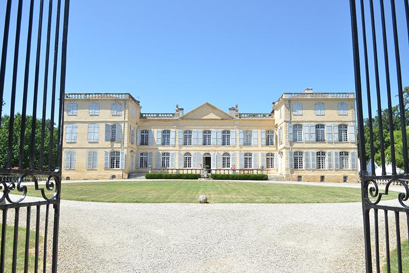 Enjoy an exclusive private tour of Chateau de la Motte aboard luxury hotel barge Rosa