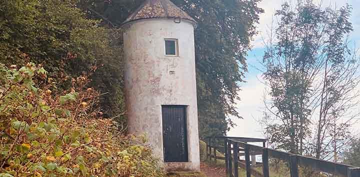 Pepperpot-Saltshaker-lighthouse-fort-augustus-ms-prev