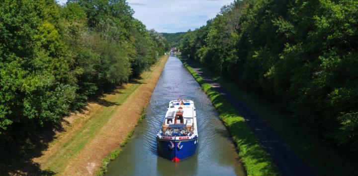 L'Art de Vivre Cruising Canal du Nivernais