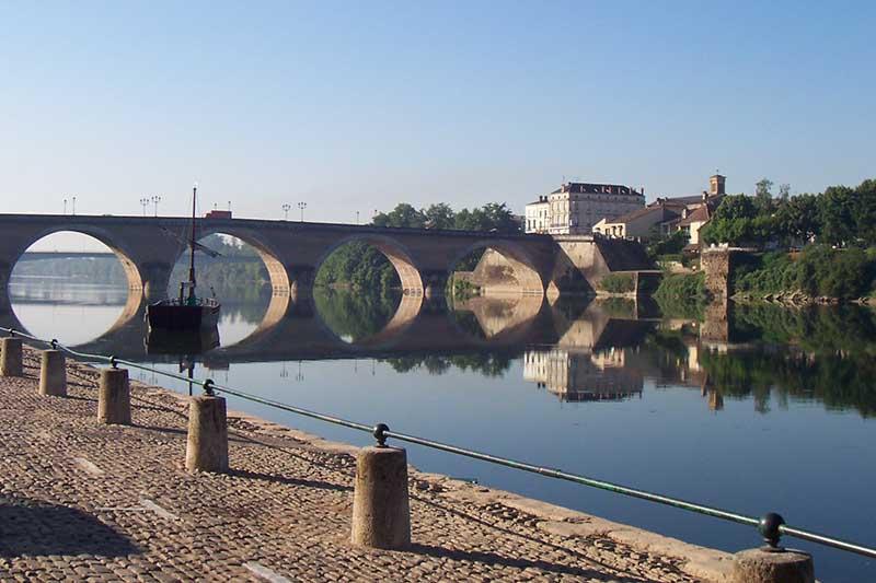 Agen Aqueduct over the Canal de Garonne