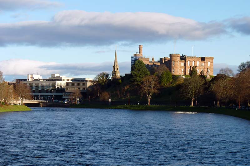 inverness-castle-caledonian-canal-cruise