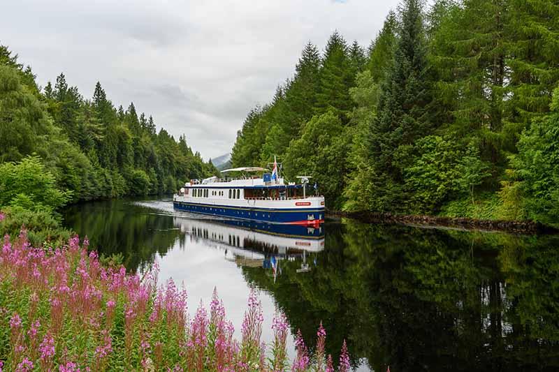 caledonian-canal-cruise-spirit-of-scotland-loch-oich
