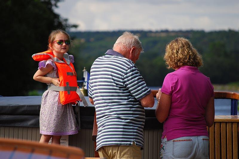 3G Family Barge Cruises