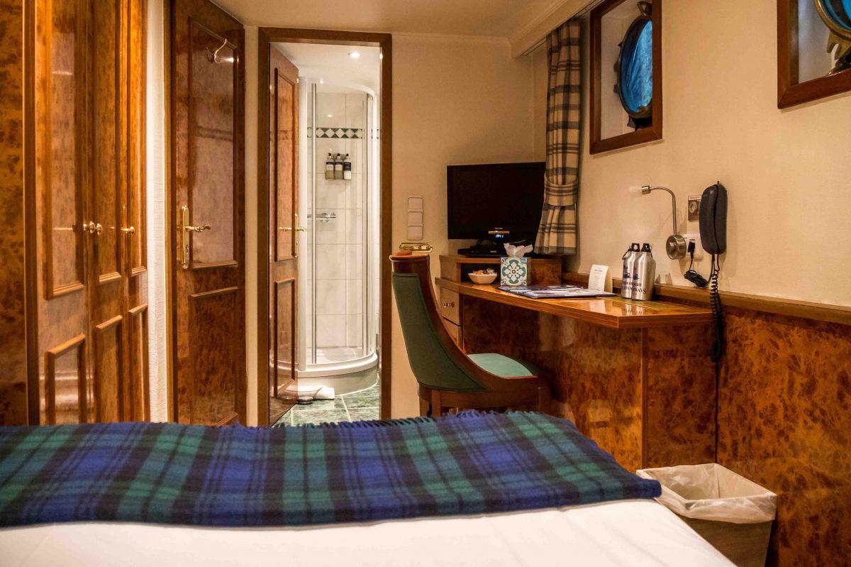 Caledonian Canal Cruise - Spirit of Scotland cabin